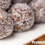 An easy recipe to make high protein no bake protein balls