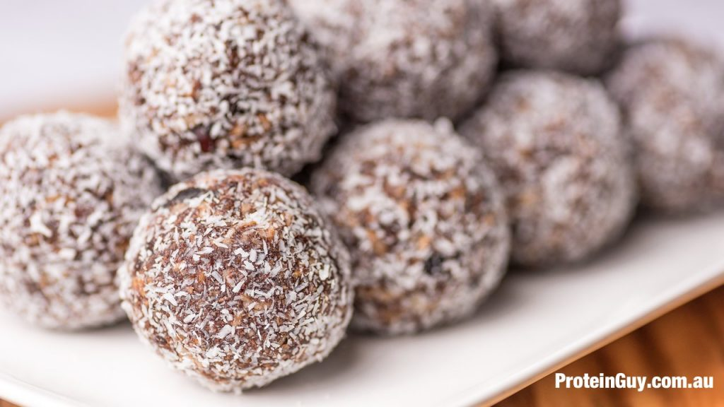 An easy recipe to make high protein no bake protein balls for yourself